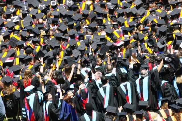 absolventi-universitati
